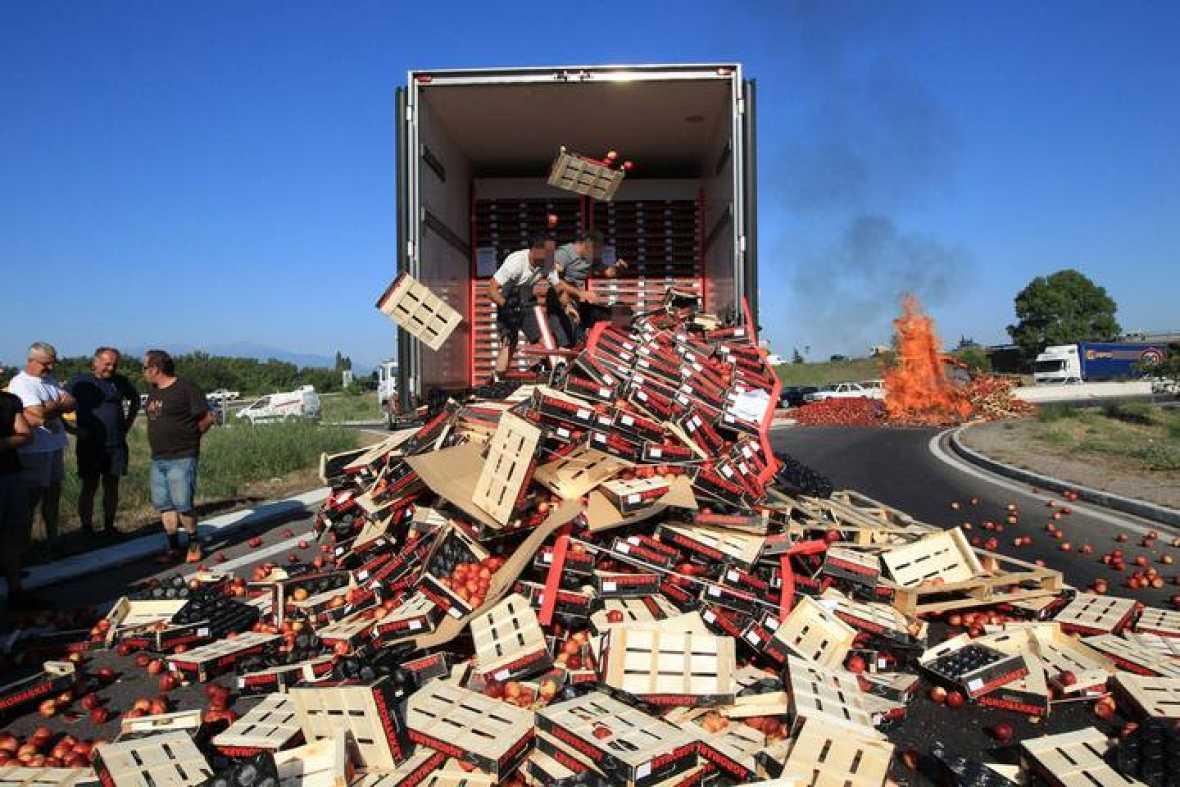 Reglamentos Fresas, la CE baraja nuevas medidas para evitar los asaltos a los camiones españoles