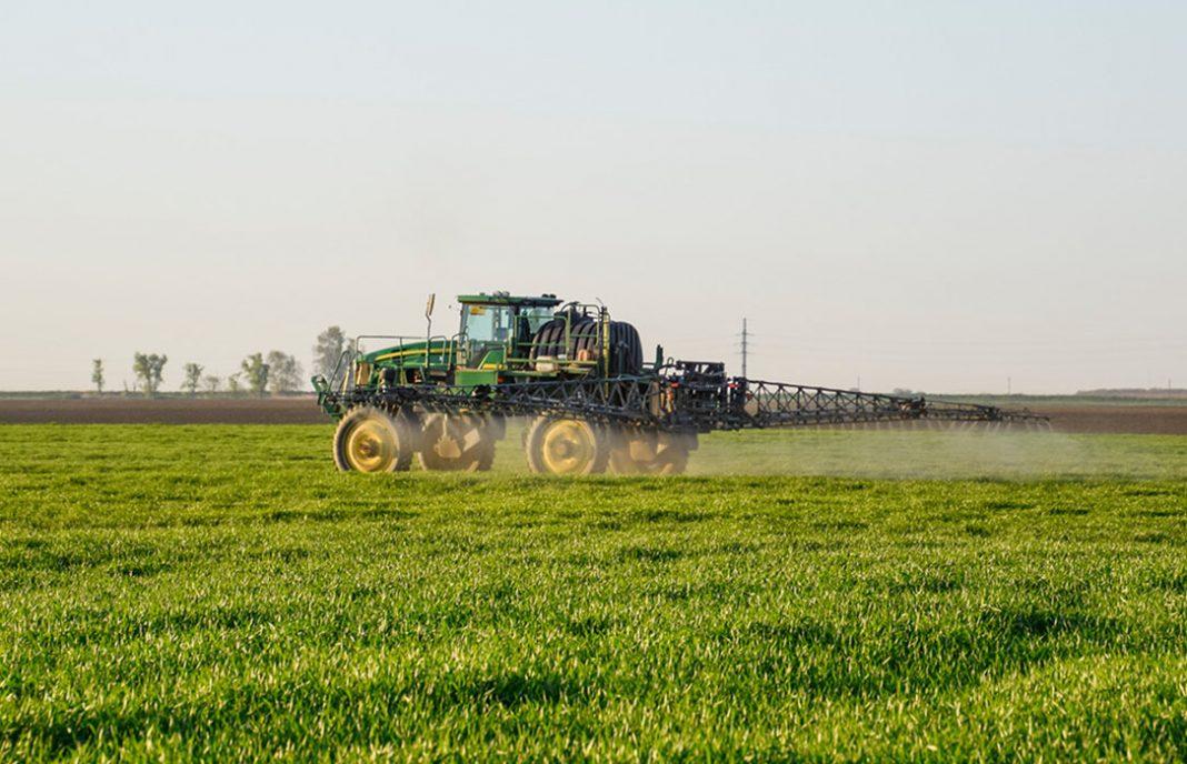 Europa aprueba el glifosato mientras el sector agrario critica que se esté politizando su uso