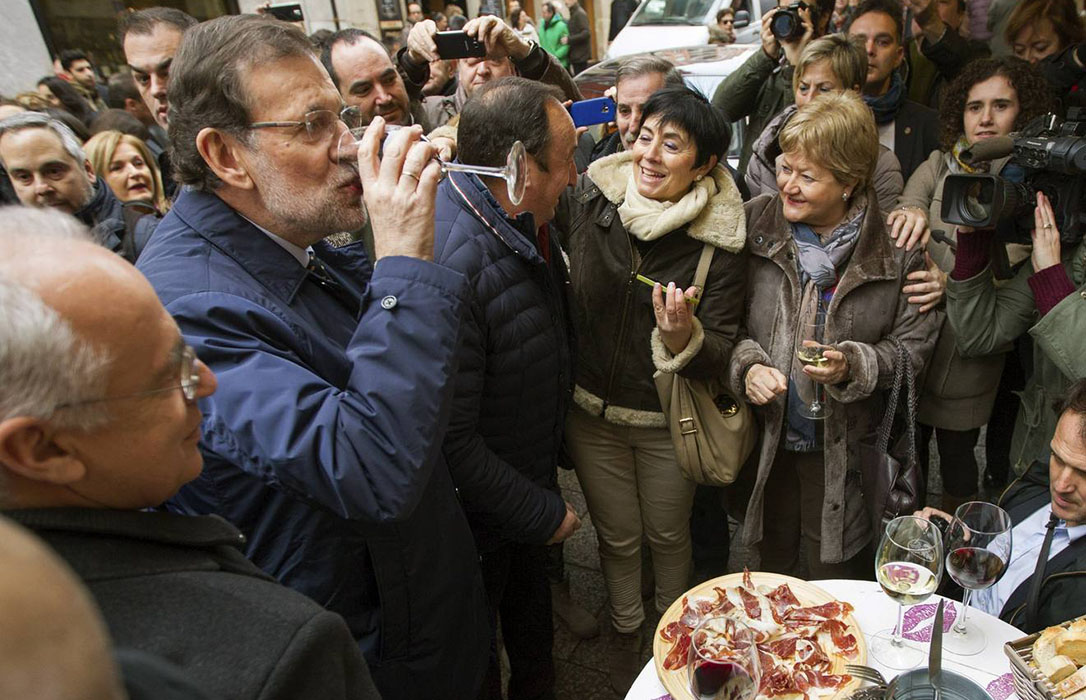 Rajoy se va a tomar unos vinos a La Rioja y se 'olvida' de hablar de la PAC