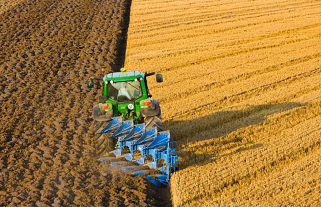 PAC: Agricultores y ganaderos de 8 CCAA podrán cobrar desde el lunes 1.326 millones de adelanto; el resto debe esperar