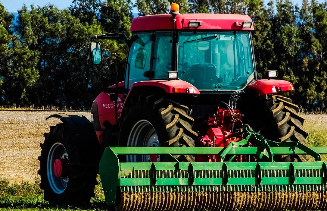 La rentabilidad agraria, en entredicho: El campo español ya acumula una deuda de 19.758 millones de €