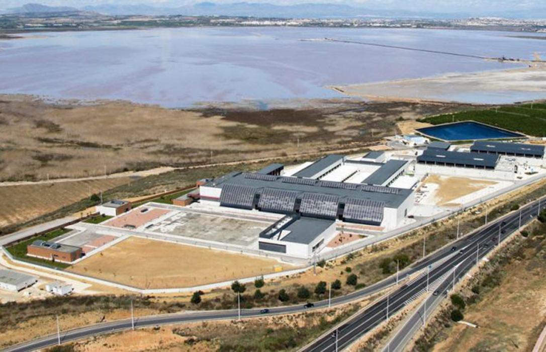 Cs alerta de que el Gobierno «solo contempla proveer a los agricultores con agua desalada que no llegará hasta 2021»