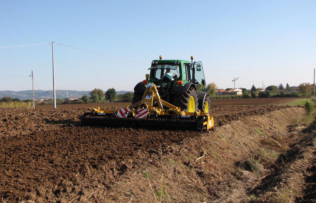 Denuncian una subida «con nocturnidad y alevosía» del 50% en los impuestos de Transmisiones Patrimoniales a los agricultores