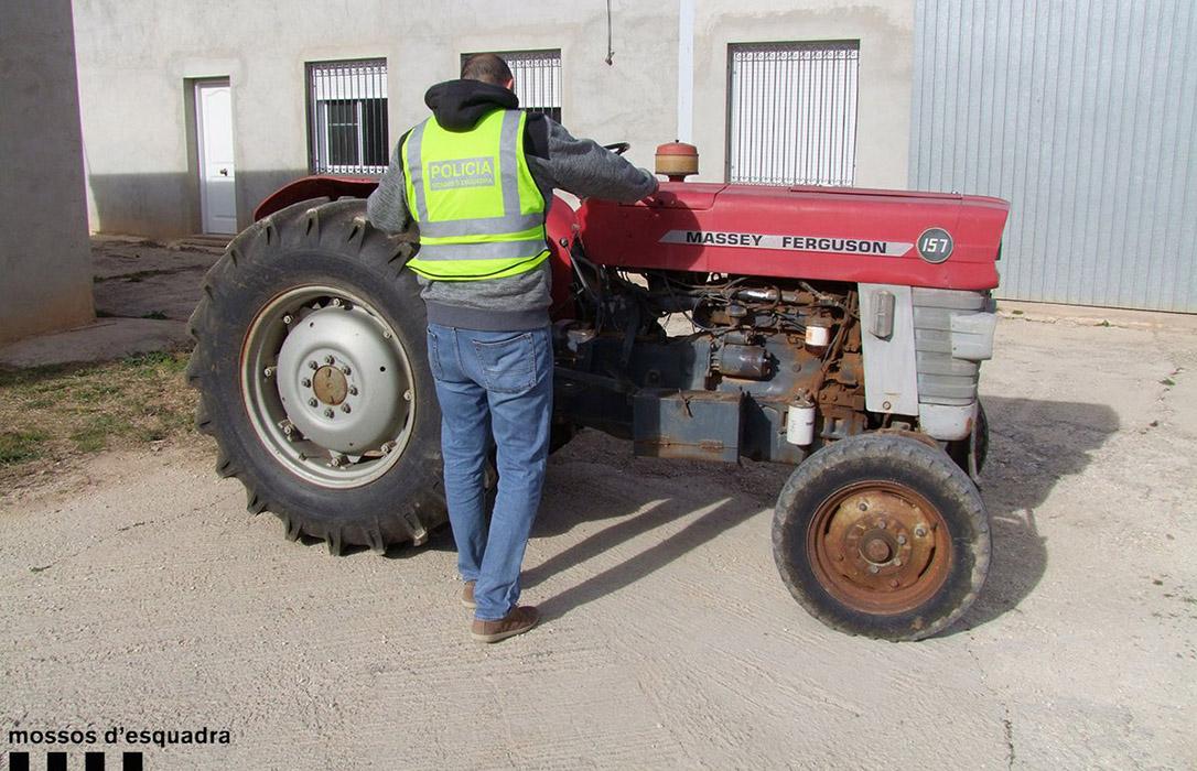 Seis detenidos por el robo de dos tractores cuando intentaban venderlos en el mercado negro