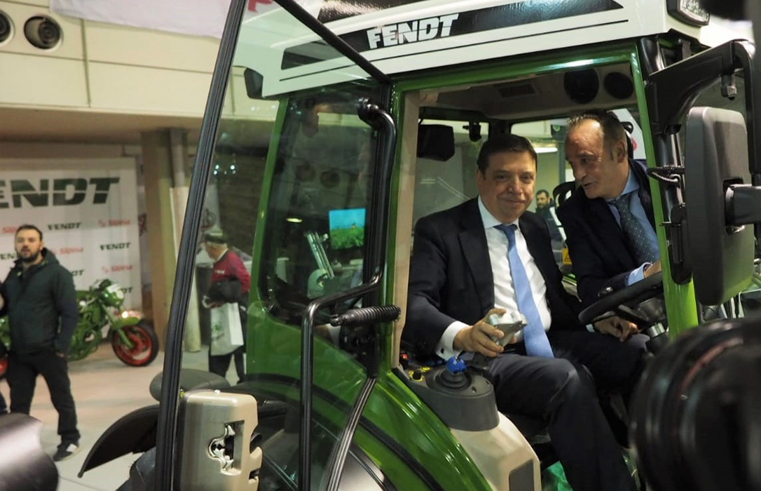 Planas anuncia un nuevo Plan Renove en primavera abierto al conjunto de la maquinaria agrícola