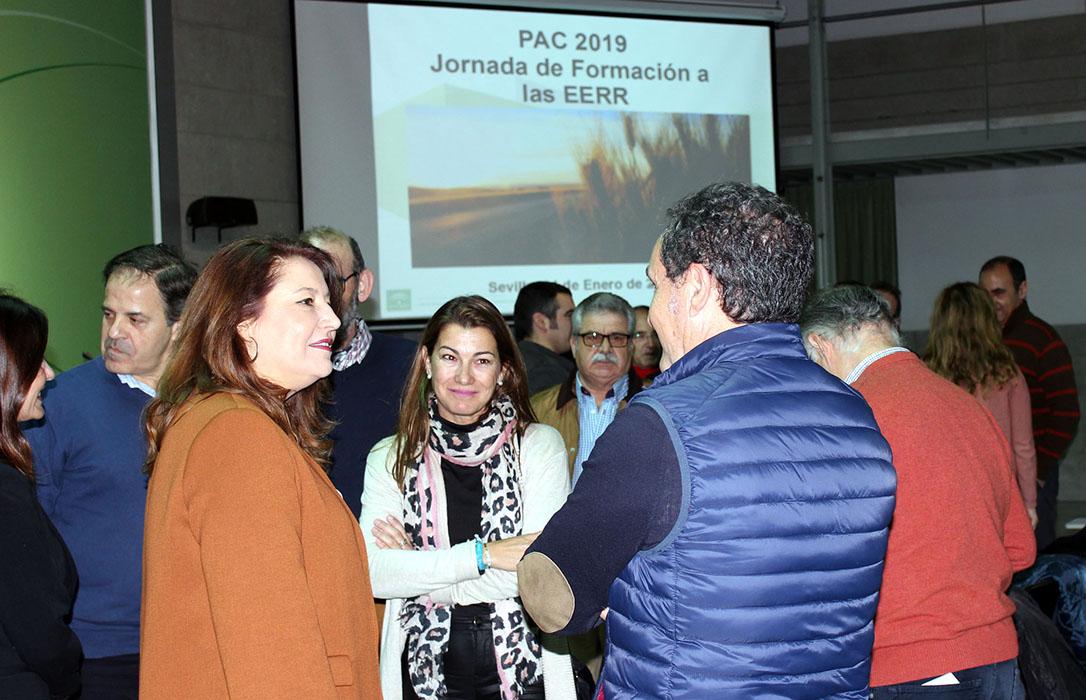 Andalucía: Primer patinazo de la consejera al dejar fuera a Cooperativas en su ronda de contactos