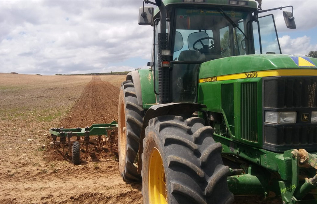Piden celeridad en las resoluciones de las ayudas a los jóvenes agricultores para que puedan solicitar la PAC