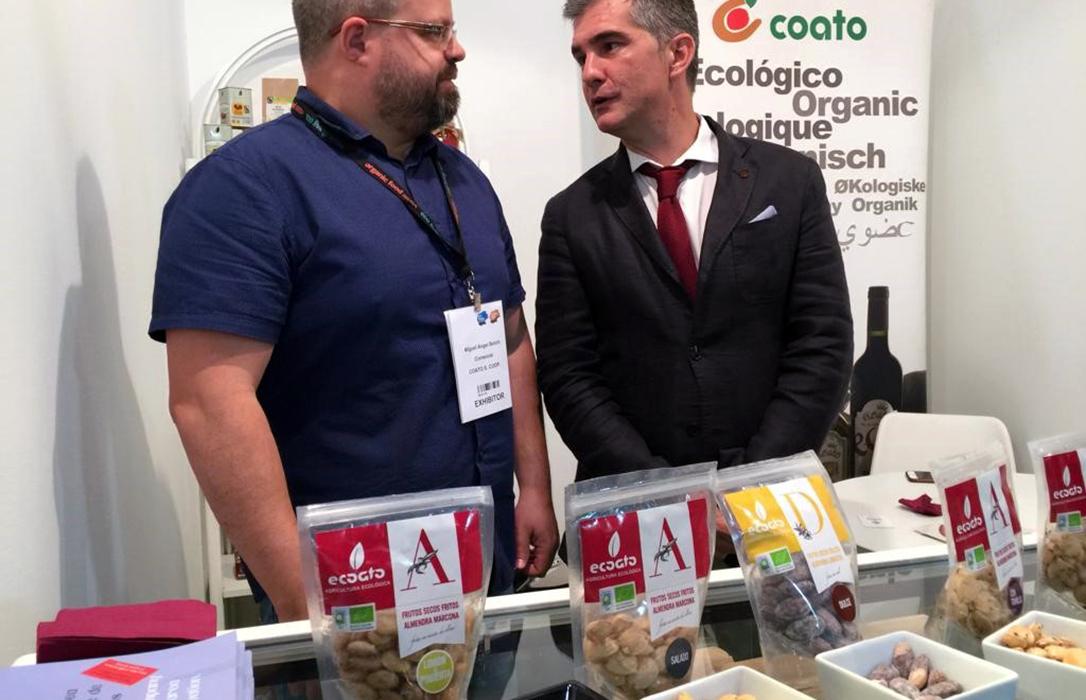 Coato presenta su nueva variedad de almendra con trufa, que próximamente comenzará a comercializar