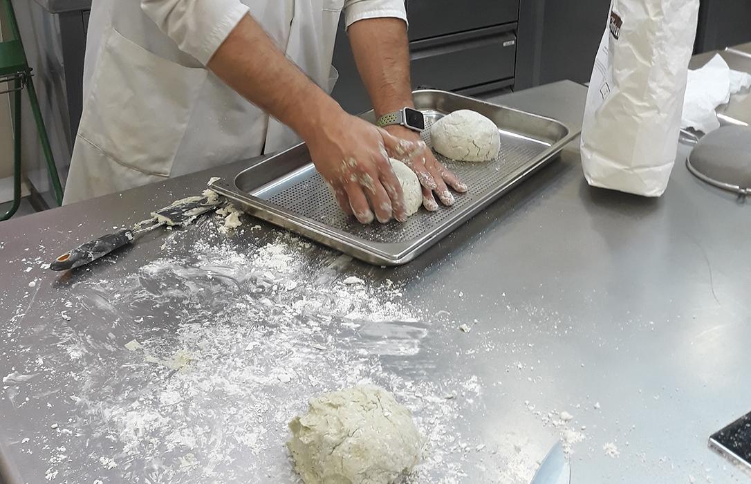 Desarrollan un pan sin gluten y análogos cárnicos enriquecidos con nuevas proteínas sostenibles como el cannabis o las algas