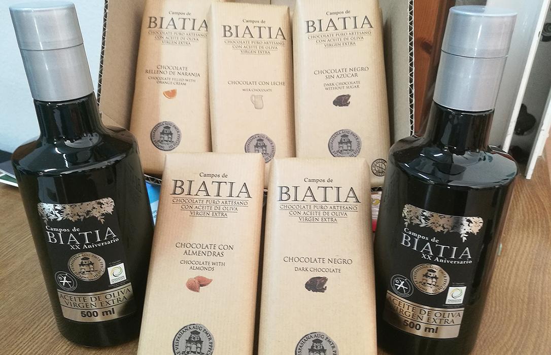 La SCA Oleícola Baeza lanza cinco variedades de chocolates artesanos con su AOVE Campos de Biatia