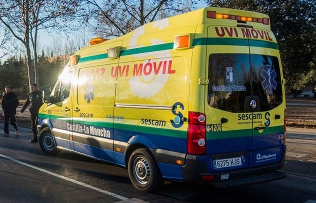 Fallece el conductor de un tractor al sufrir un desvanecimiento y chocar contra un coche