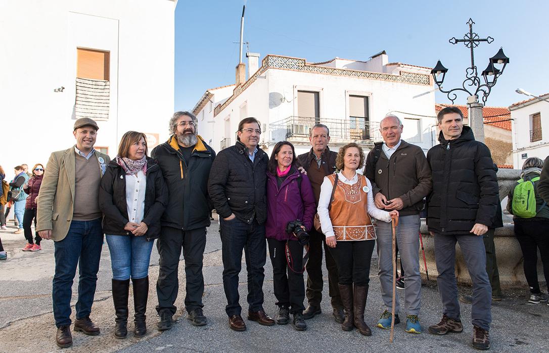 Catalina García recibe el premio de la trasterminancia extremeña 2019 en la Fiesta de la Trashumancia