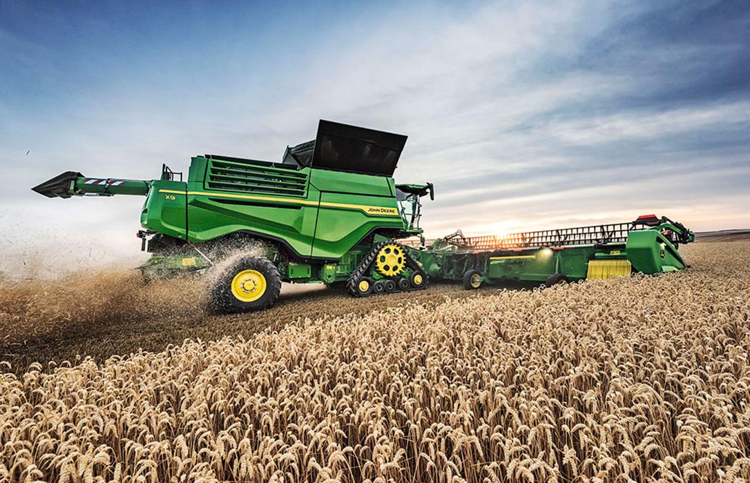 Productividad y eficiencia de la cosecha con la nueva Cosechadora X9 y plataforma draper de John Deere