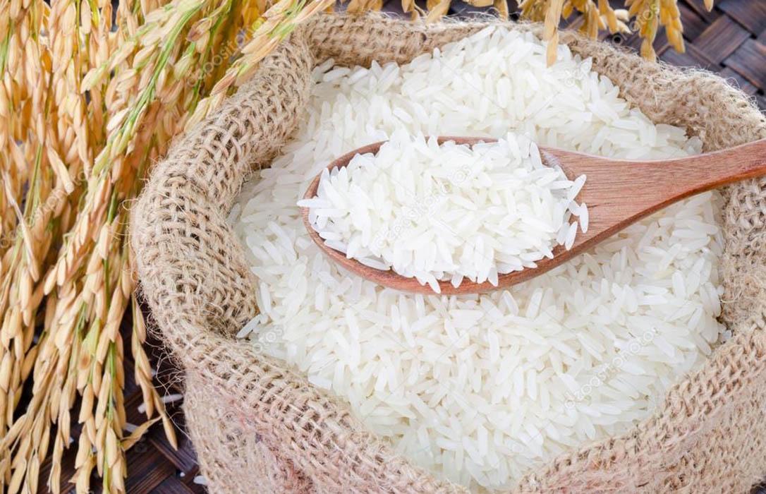 La gran distribución paraliza las compras de arroz valenciano y nacional al importar más desde Myanmar
