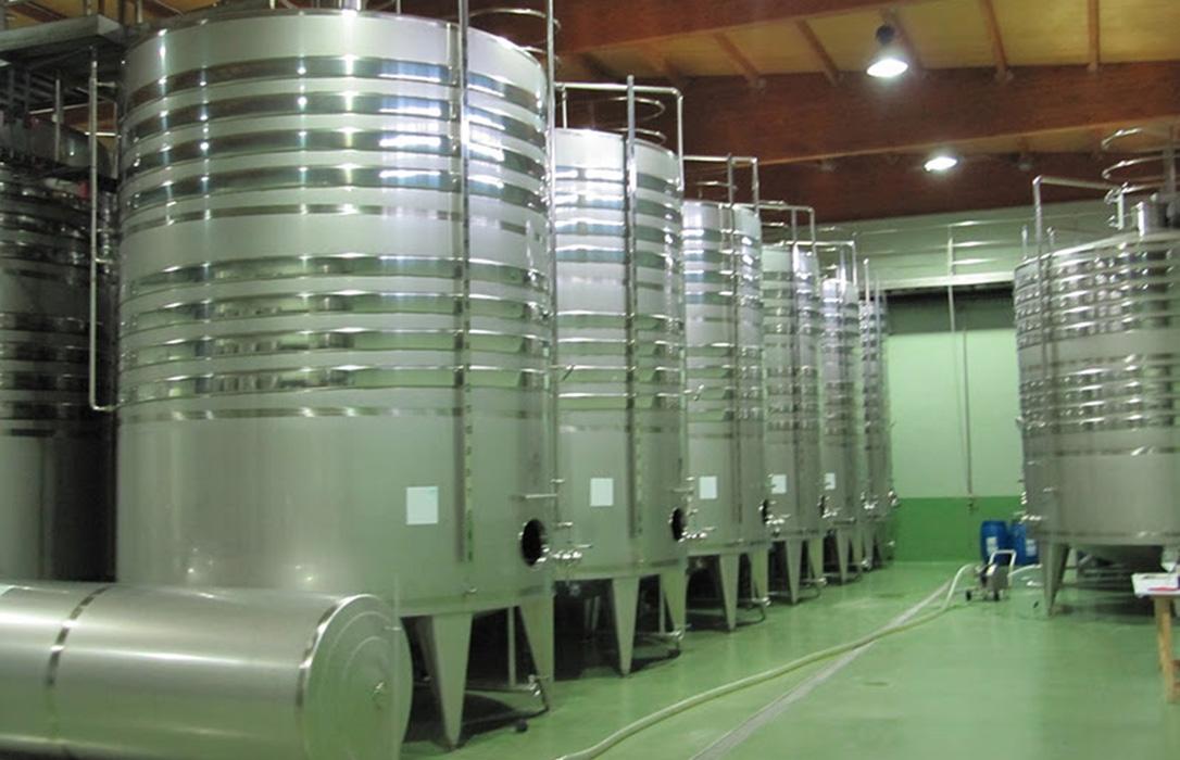 Los productores de España, Francia e Italia también piden un almacenamiento privado para el vino de alta calidad