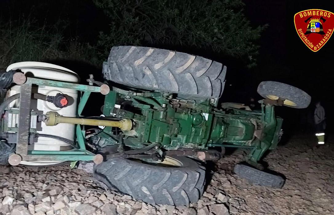 Fallece un agricultor al volcar su tractor en un talud y uno de los septuagenarios herido el pasado jueves