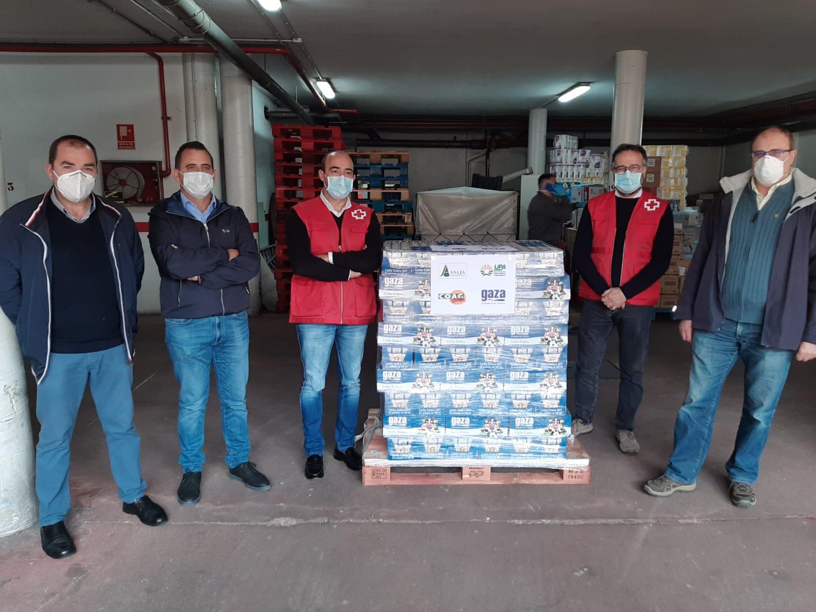 El compromiso social del campo sigue latente: OPAS y Gaza donan 20.000 raciones de leche a Cáritas y Cruz Roja en Salamanca