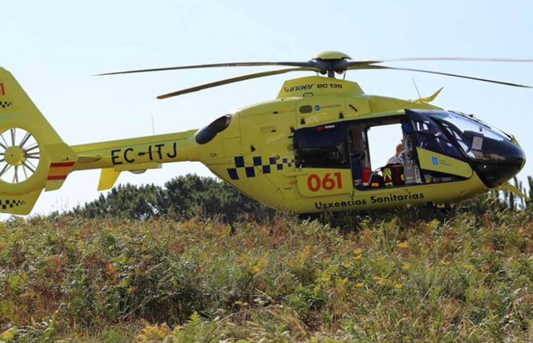 Un herido de gravedad que tuvo que ser trasladado en helicóptero tras un accidente con tres tractores involucrados