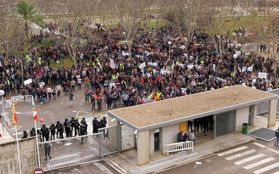 ¿Aviso ante las nuevas protestas?: La Delegación del Gobierno comunica multas de 600€ a manifestantes de Agroexpo de 2019