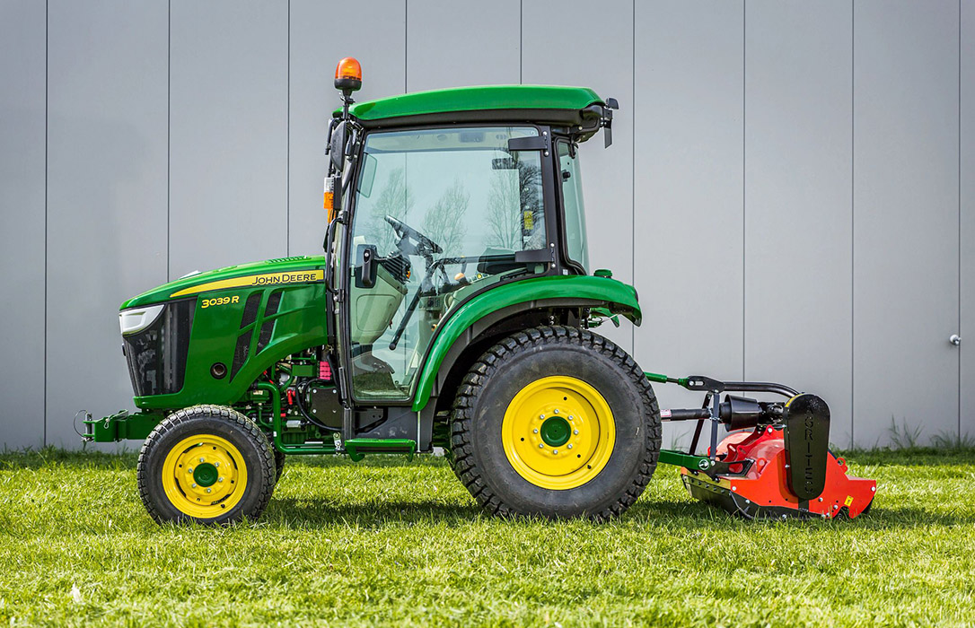 John Deere presenta sus novedades de tractores compactos adaptado a las emisiones de la Normativa Europea