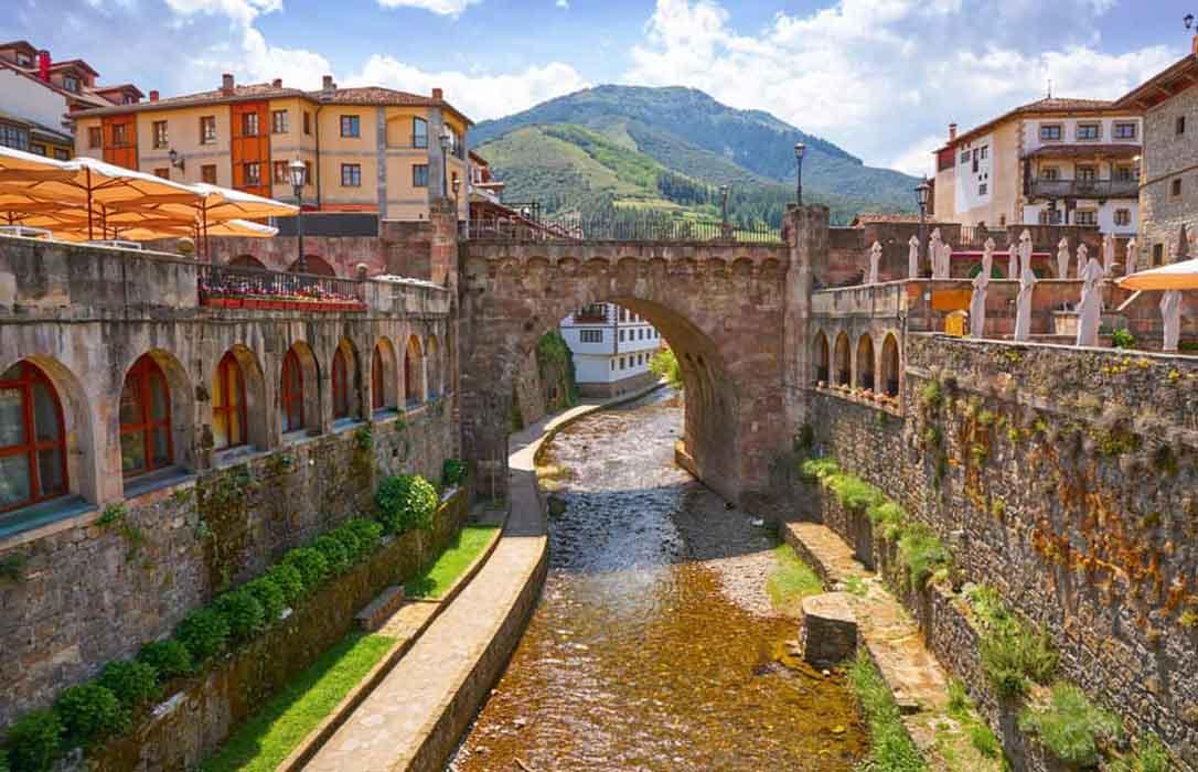 El municipio cántabro de Potes, elegido como la nueva Capital del Turismo Rural 2020