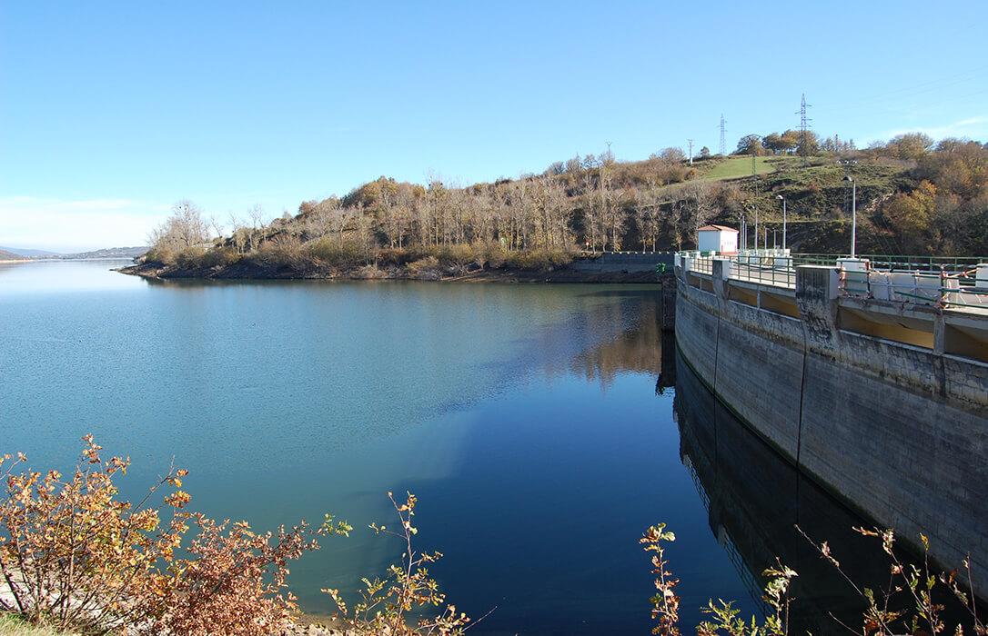 El Gobierno confirma la autorización para un trasvase de un máximo de 4,99 hm3 desde el embalse del Ebro a Cantabria