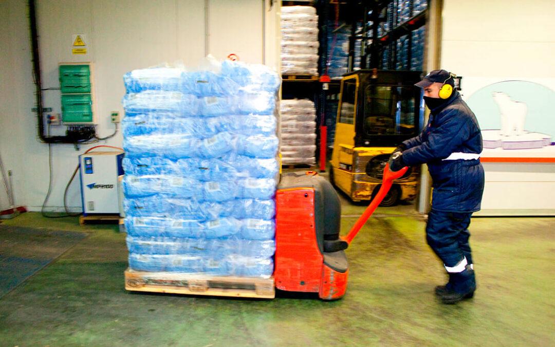 La industria del hielo se derrite por la pandemia y por el desplome de la hostelería y el turismo