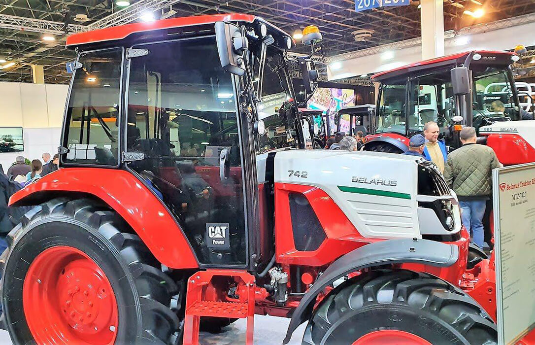 La empresa de tractores MTZ Belarus aterriza en Lleida en la Feria de Sant Miquel para abrir mercado en el sur de Europa
