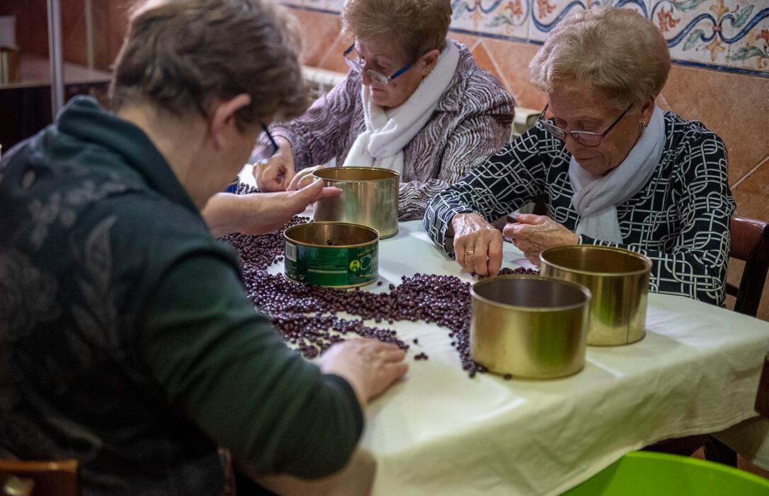 La Alubia de Anguiano y la Nuez de Pedroso ya pueden comercializarse en el mercado nacional como Denominación de Origen Protegida