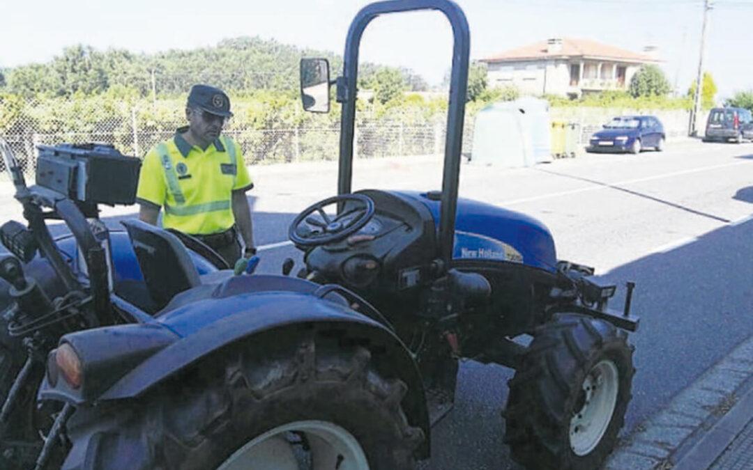 Luego se lamentan que haya accidentes en el campo: Detenido por conducir un tractor sin haber tenido nunca el permiso de conducir