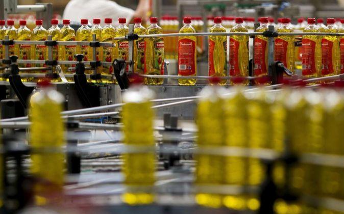 No es oro todo lo que reluce: El truco de España para evitar el arancel de EEUU es importar más y venderlo como aceite extranjero
