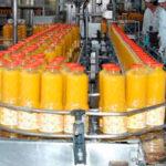 El Ministerio de Consumo da marcha atrás y excluirá de la subida del IVA al sector de los zumos y néctares
