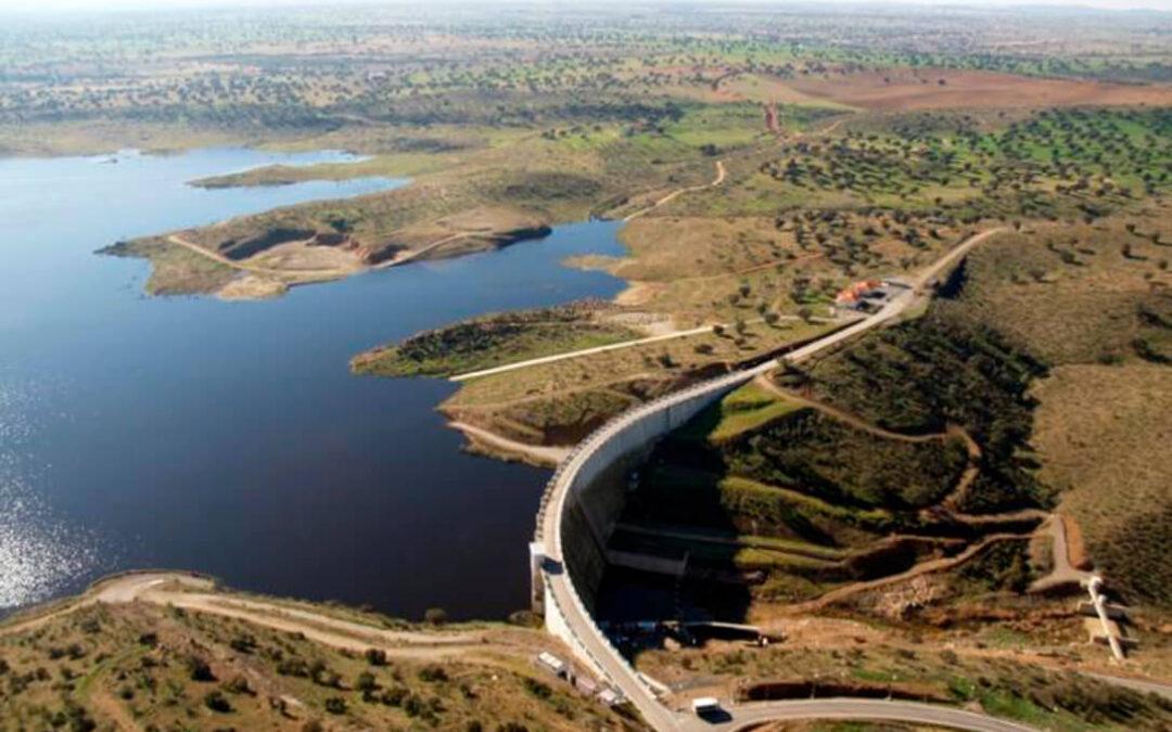 Plantean hacer una zona regable con el agua del embalse de La Colada dentro del Plan Hidrologico del Guadiana