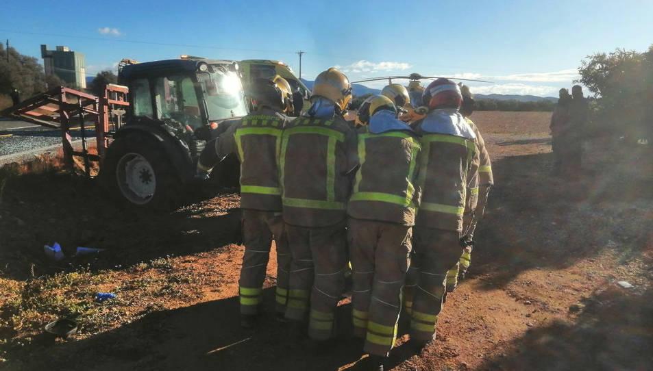El peor inicio del año posible: Fallece un hombre de 85 años al volcar el tractor que conducía en un camino rural