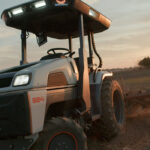 El primer tractor inteligente del mundo que no necesita conductor y trabaja día y noche ya está a la venta por 41.000 euros 1