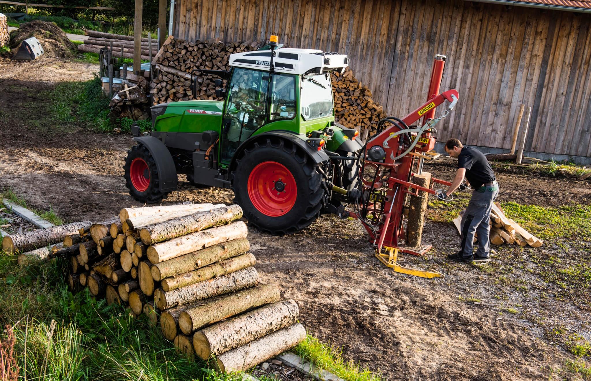 El Ministerio tramita las bases reguladoras de subvenciones para financiar con avales de SAECA la adquisición de maquinaria agrícola