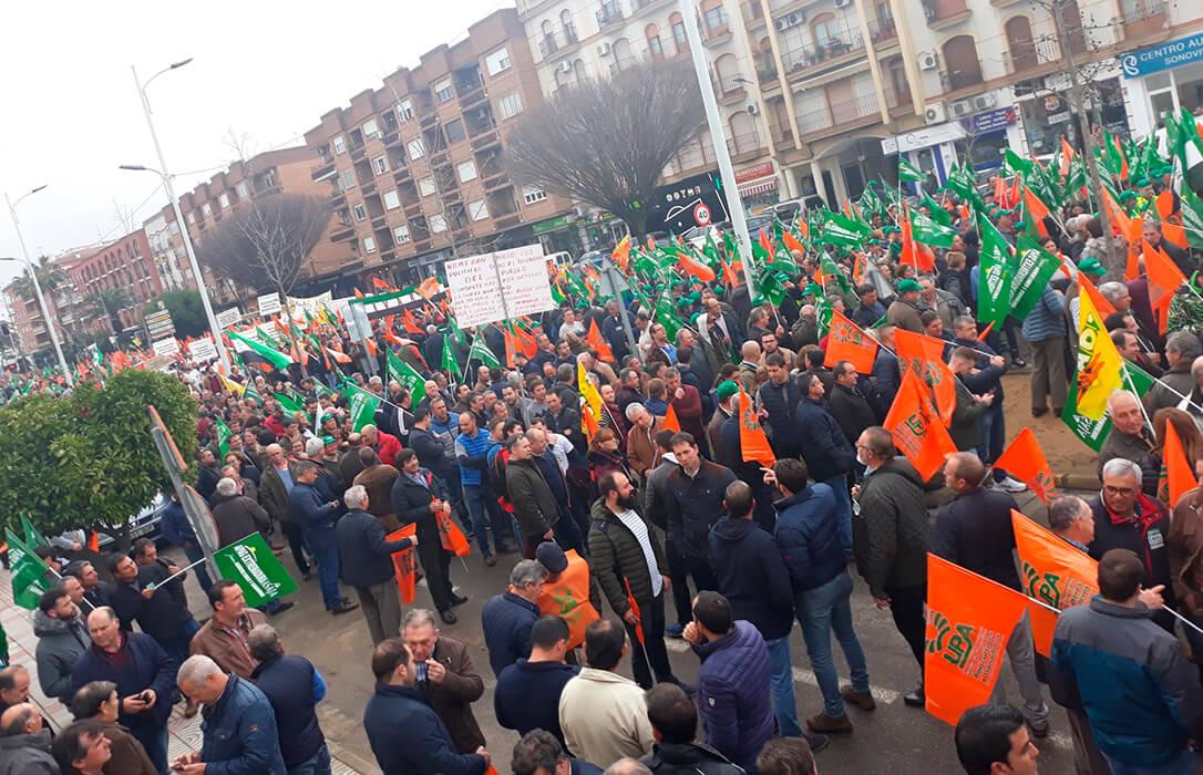 Otra reunión, otro fracaso y otra protesta: Los tractores andaluces volverán a la calle contra la PAC cuando lo permita la pandemia
