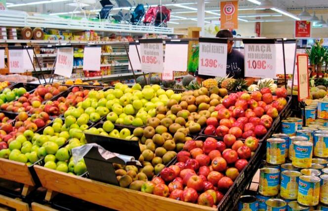 El Gobierno francés denuncia a una cadena de supermercados por abusos a proveedores y pide una sanción de 150 millones de euros