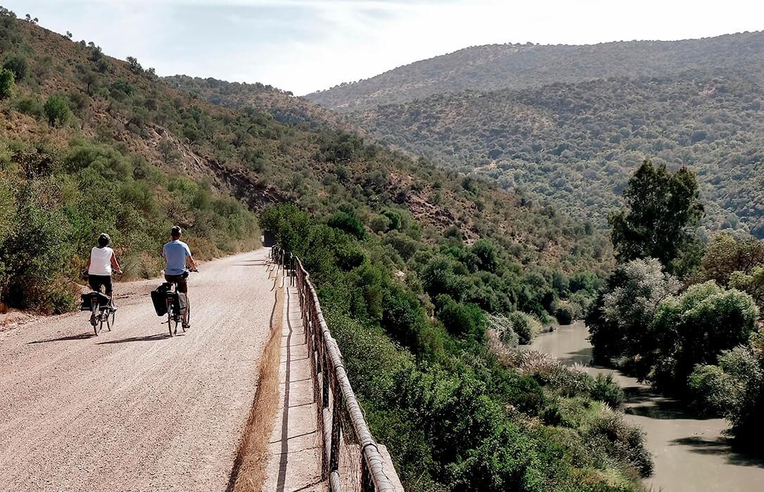 La Fundación Vía Verde de la Sierra celebra sus 20 años de existencia con una campaña 'a toda máquina'