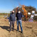 Las protestas del campo: Visibilizan el arranque de 2.000 campos valencianos en el último año con una cremà de naranjos 1