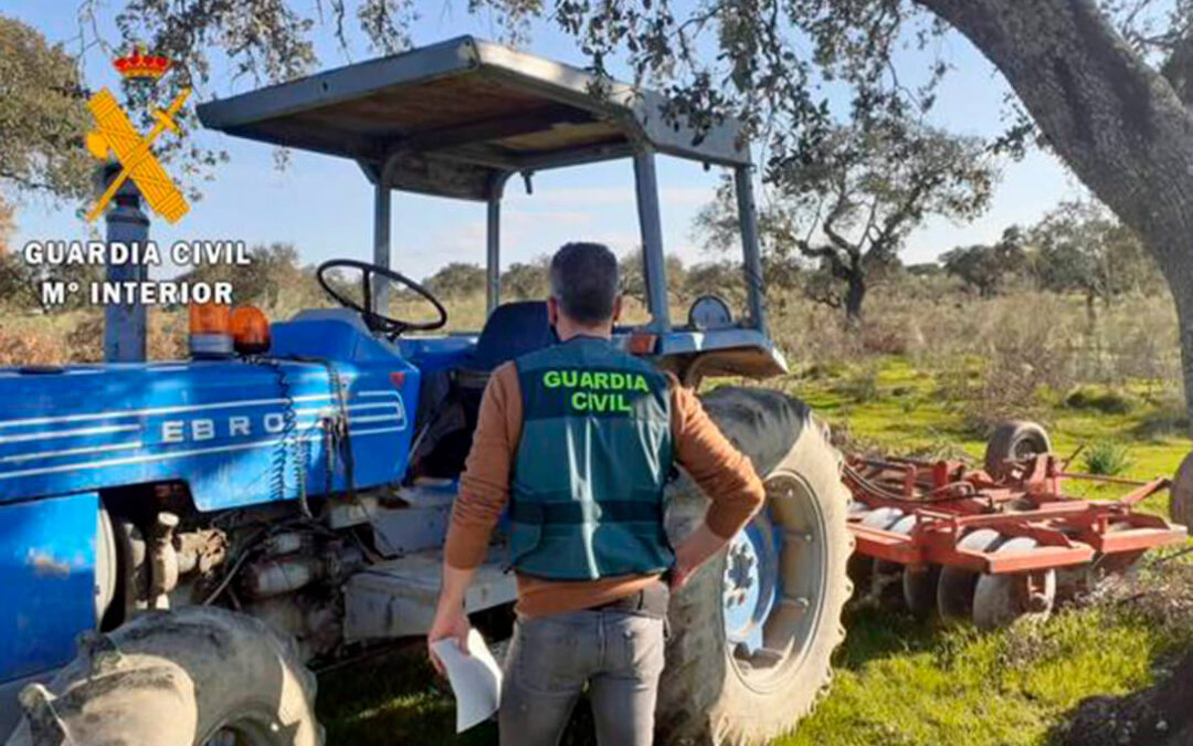 Lo vas dejando… y la Guardia Civil se ve obligada a devolver a su dueño un tractor prestado hacía un año