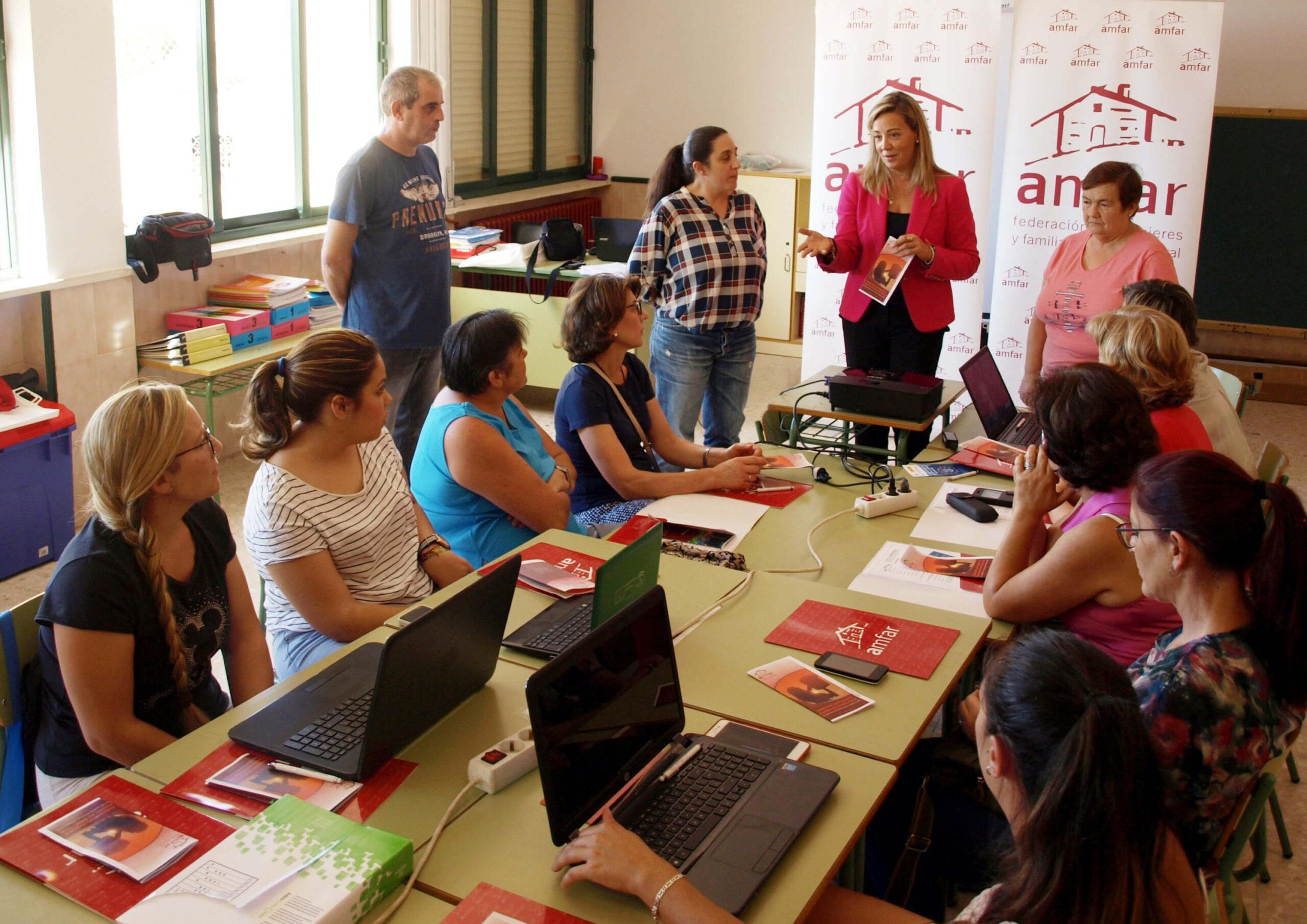Formación rural en tiempos de pandemia: AMFAR otorga a 58 mujeres rurales el diploma acreditativo de formación online