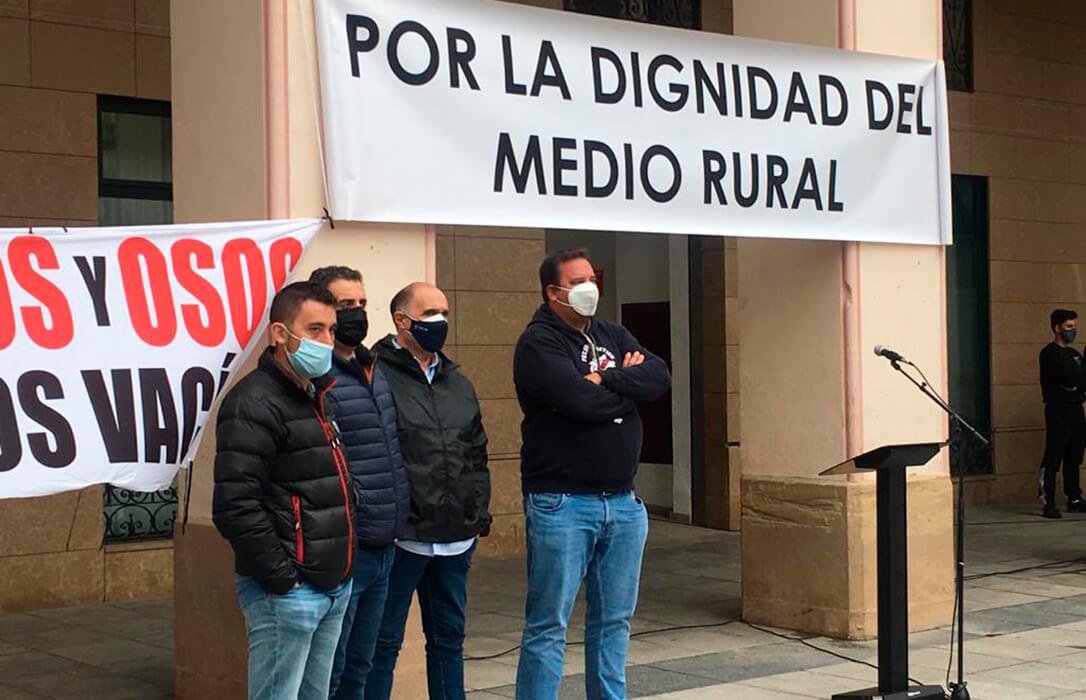 Los ganaderos de Huesca protesta por los efectos adversos de la nueva PAC, que pueden conllevar perder 25 millones de euros