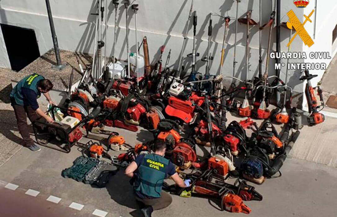 Cuatro detenidos por robar durante meses numerosa maquinaria agrícola en naves y explotaciones por un valor de 30.000 euros