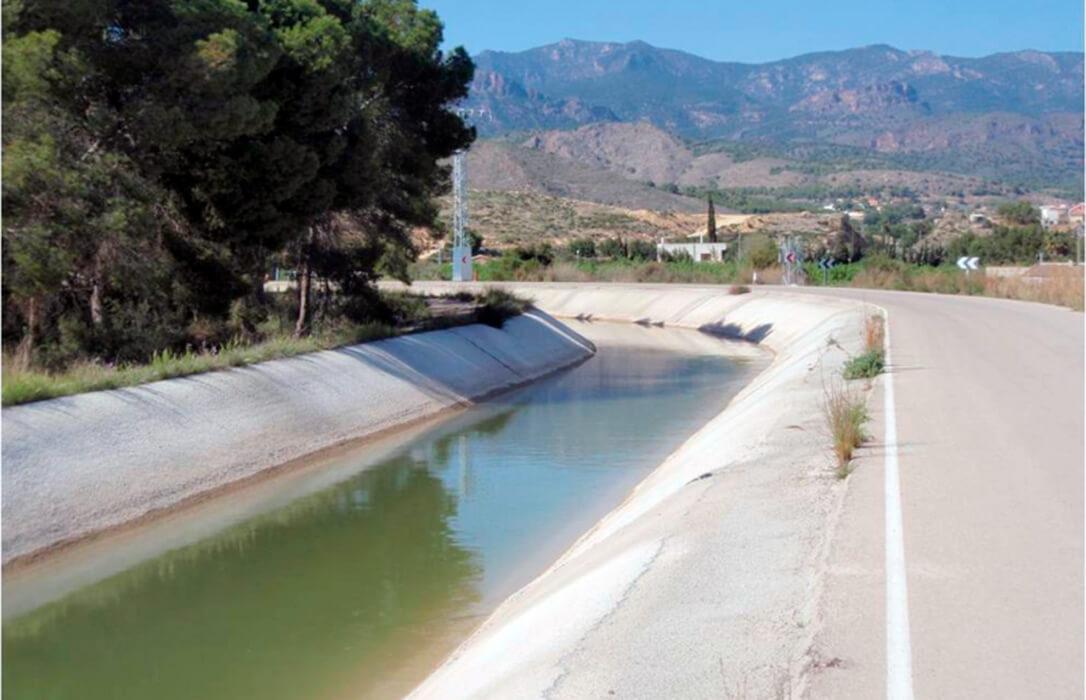 Más leña a la guera del agua y del trasvase: Castilla-La Mancha cree que Andalucía y Murcia no buscan arreglar el problema