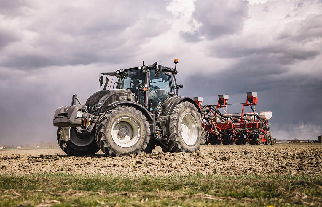 Inteligencia y comodidad al servicio del agricultor en los nuevos tractores Valtra de las series N y T de 5ª generación