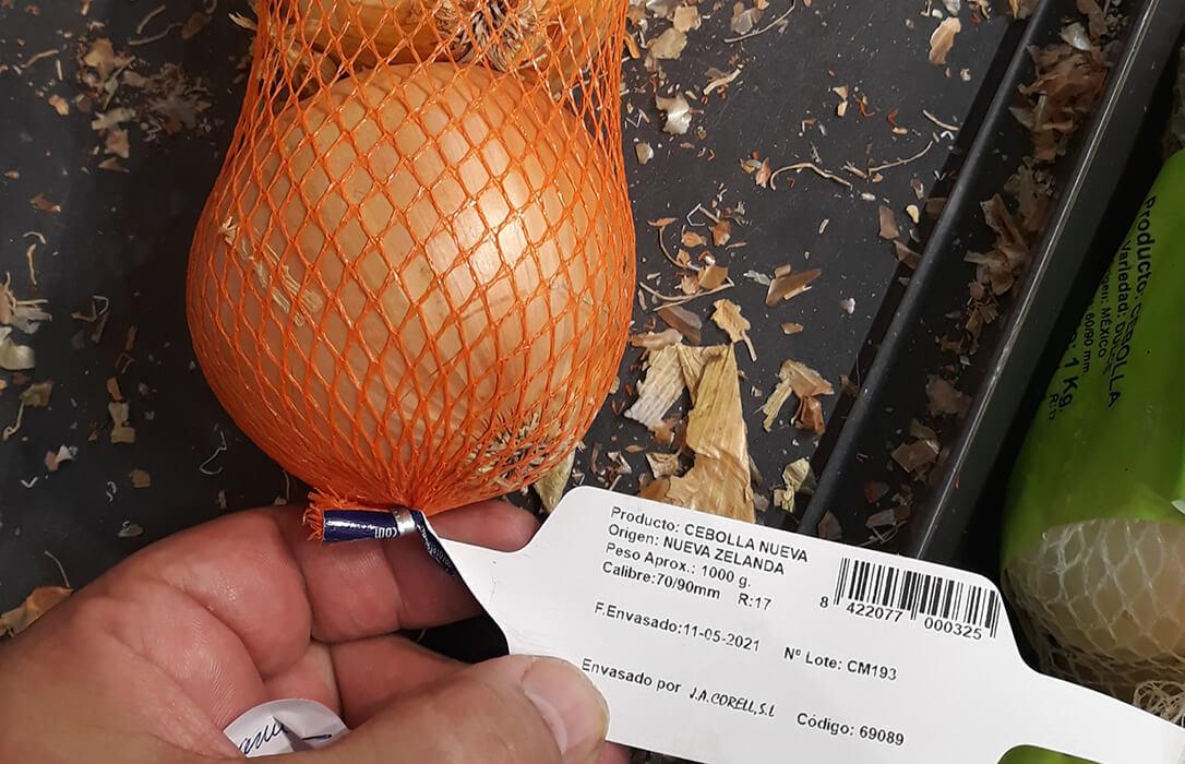 Las importaciones en la gran distribución desestabilizan la campaña de la cebolla, que amenaza con no recoger el producto