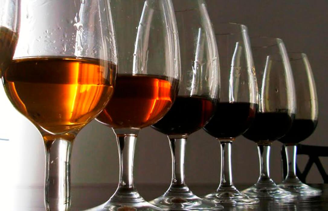 Elaboran un nuevo vino espumoso a partir de uvas y levaduras de Montilla-Moriles