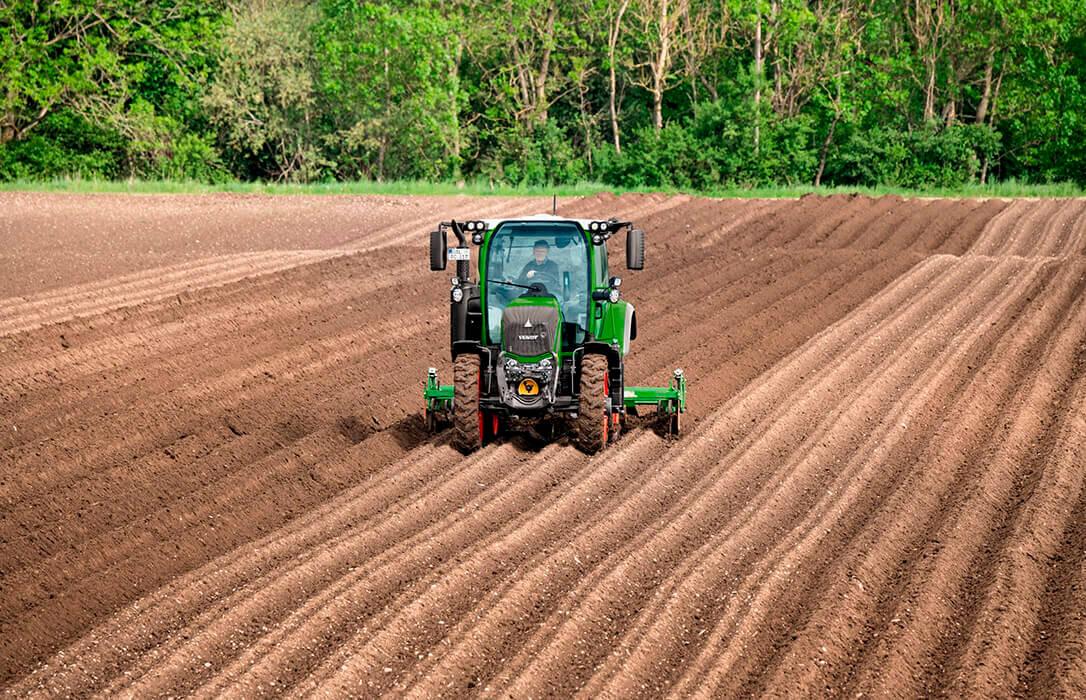 Plan Renove: El campo necesita una modernización y no una competición de velocidad de conexión para ver quién se lleva los fondos