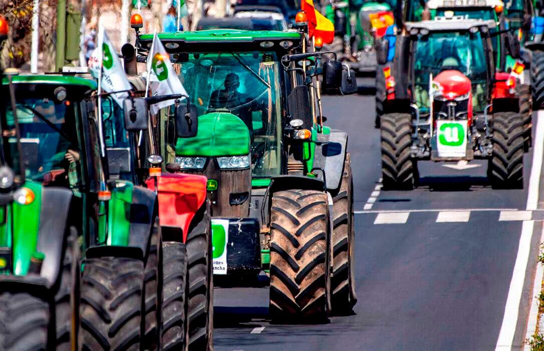 A Planas se le olvidan las protestas y asegura que da respuesta a las demandas de agricultores y ganaderos
